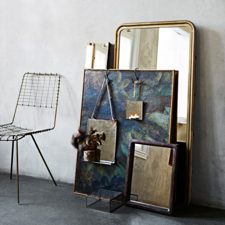 Ogledalo_s_polico_medenina_Madam_Stoltz_ambient