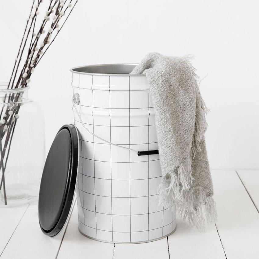 HD_stool_bucket_mood2_sq